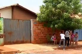 Resultado de imagem para Mãe alega que matou filho enforcado porque ele não quis limpar a casa de madrugada, diz polícia